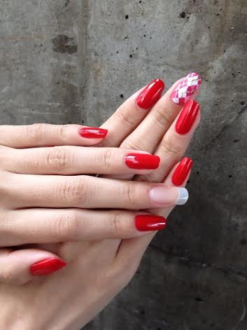 2014春 ネイル2級合格 とてもきれいな爪の方